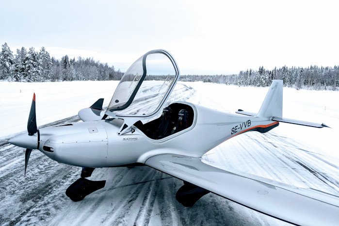 Next generation ultralight airplane - BLACKWING Sweden
